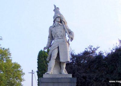 Ács I. világháborús emlékmű 2012.08.04. küldő-Méri (1)