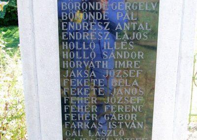 Ágasegyháza II. világháborús emlékmű 2007.10.16. küldő-Markó Péter (1)