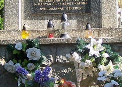 Áj II.vh emlékmű 2011.09.25. küldő-Horváth Zsolt (3)