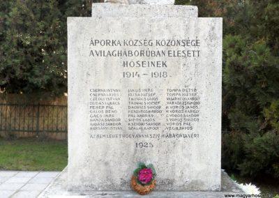 Áporka világháborús emlékmű 2015.10.31. küldő-kalyhas (3)
