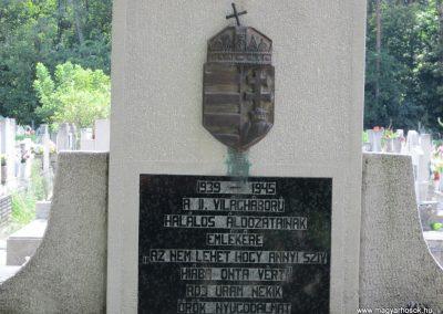 Ásotthalom II.vh emlékmű 2011.08.20. küldő-kalyhas (3)