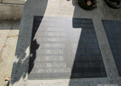 Ásotthalom II.vh emlékmű 2011.08.20. küldő-kalyhas (4)