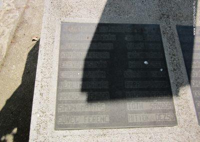 Ásotthalom II.vh emlékmű 2011.08.20. küldő-kalyhas (5)