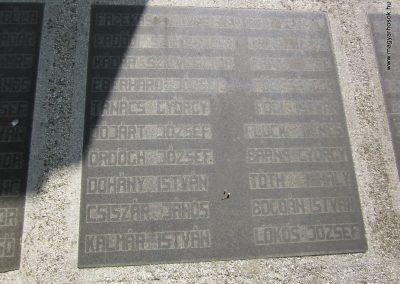 Ásotthalom II.vh emlékmű 2011.08.20. küldő-kalyhas (7)
