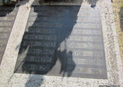 Ásotthalom II.vh emlékmű 2011.08.20. küldő-kalyhas (8)