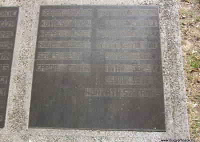 Ásotthalom II.vh emlékmű 2011.08.20. küldő-kalyhas (9)