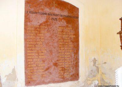 Ászár. I. világháborús emléktábla, katolikus templom