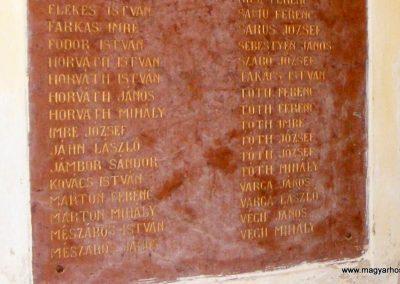 Ászár I. világháborús emléktábla 2012.08.13. küldő-Méri (4)