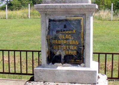Ászár II. világháborús emlékmű és emlékhely 2012.08.13. küldő-Méri (2)