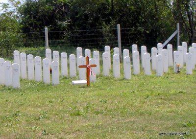 Ászár II. világháborús emlékmű és emlékhely 2012.08.13. küldő-Méri (5)