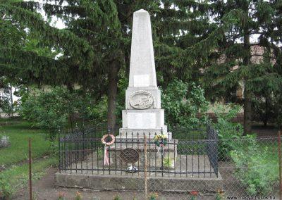 Átány I.vh emlékmű 2007.06.15.küldő-Kályhás