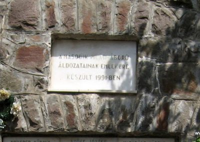 Átány II.vh emlékmű 2007.06.15.küldő-kalyhas (1)