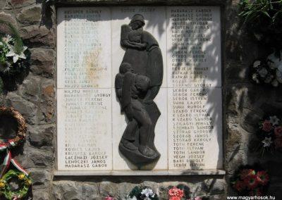 Átány II.vh emlékmű 2007.06.15.küldő-kalyhas (2)