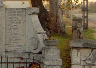 Écs világháborús emlékmű 2006.11.07. küldő-Hege (5)