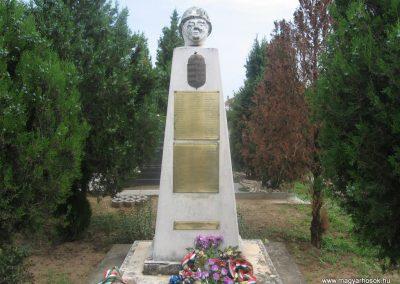 Érpatak világháborús emlékmű 2009.07.02.küldő-kalyhas (1)