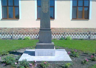Érsekcsanád világháborús emlékmű 2010.08.27. küldő-Csiszár Lehel