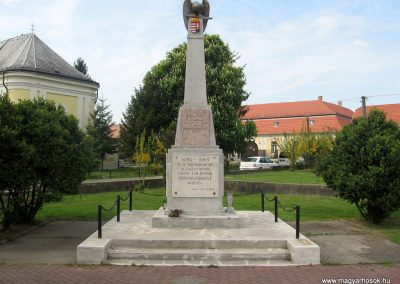 Érsekvadkert világháborús emlékmű 2011.03.24. küldő-kalyhas (1)
