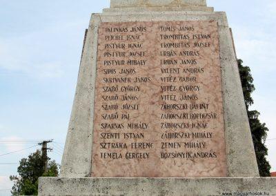 Érsekvadkert világháborús emlékmű 2011.03.24. küldő-kalyhas (11)