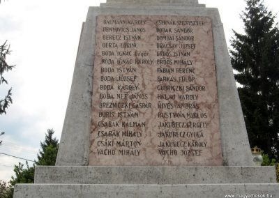 Érsekvadkert világháborús emlékmű 2011.03.24. küldő-kalyhas (6)