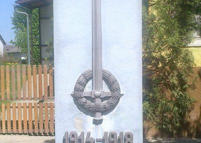 Értény I.vh emlékmű 2012.04.28. küldő-Miki