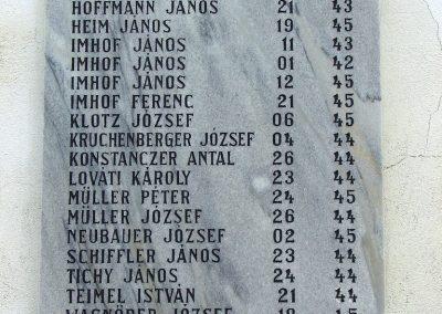 Óbánya világháborús emléktáblák a róm.kat templom falán 2003.10.12. küldő-Pfaff László, Rétság (3)