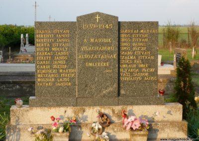 Óföldeák II. világháborús emlékmű 2014.05.24. küldő-Sümec (1)