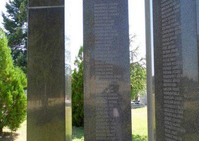 Ógyalla világháborús emlékmű 2013.07.21. küldő-Méri (1)