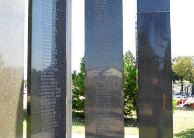 Ógyalla világháborús emlékmű 2013.07.21. küldő-Méri (15)