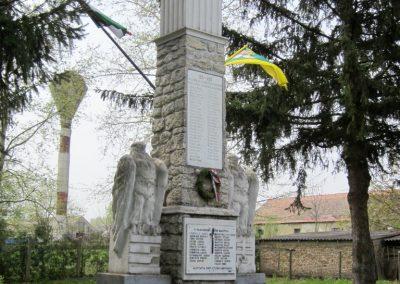 Óhíd világháborús emlékmű 2014.04.13. küldő-Sümegi Andrea (2)
