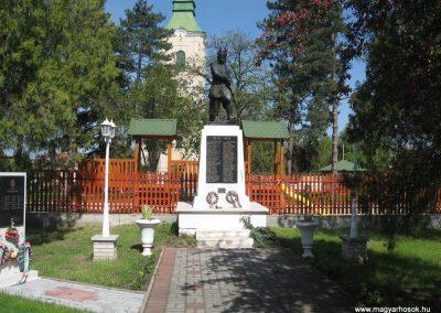 Ónod I.vh emlékmű 2008.04.21. küldő-Kályhás (2)
