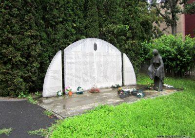 Ózd II. világháborús emlékmű 2013.06.29. küldő-kalyhas (2)
