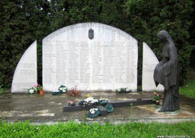 Ózd II. világháborús emlékmű 2013.06.29. küldő-kalyhas (3)