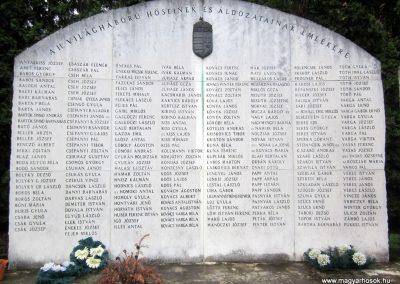 Ózd II. világháborús emlékmű 2013.06.29. küldő-kalyhas (6)
