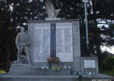 Ózd-Sajóvárkony világháborús emlékmű 2009.08.20.küldő-gkiller2 (3)