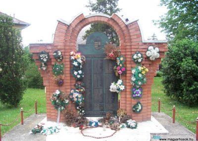 Öcsöd II.vh emlékmű 2009.05.14.küldő-miki