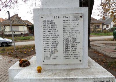 Ököritófülpös világháborús emlékmű 2014.11.22. küldő-kalyhas (8)