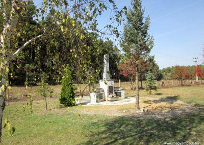 Ömböly világháborús emlékmű 2013.10.11. küldő-kalyhas
