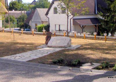Örvényes kegyeleti park 2012.08.27. küldő-Méri (1)