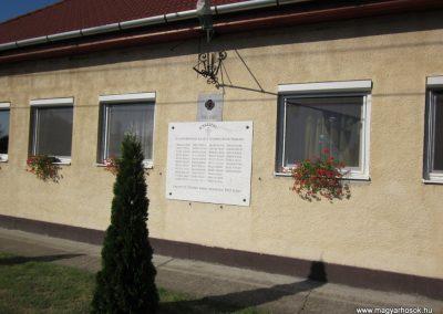 Öttömös I.vh emléktábla 2011.08.18. küldő-kalyhas (1)