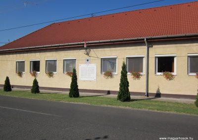Öttömös I.vh emléktábla 2011.08.18. küldő-kalyhas
