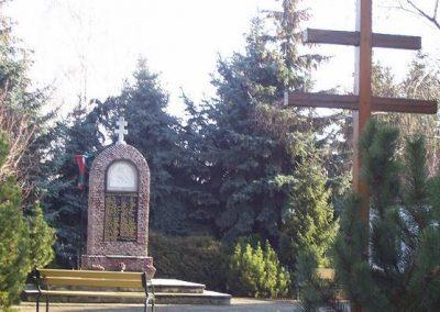 Öttevény világháborús emlékmű 2009.01.25. küldő-Ancsa84