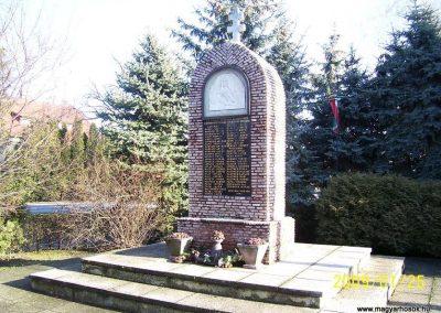 Öttevény világháborús emlékmű 2009.01.25. küldő-Ancsa84 (7)