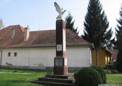 Ötvöskónyi világháborús emlékmű 2009.04.05. küldő-kalyhas (8)