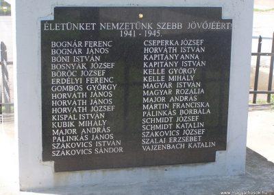Újbezdán Hősi emlékmű 2009.05.28.küldő-Horváth Zsolt (4)