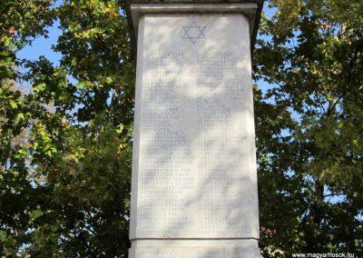 Újfehértó II. világháborús emlékmű 2013.10.11. küldő-kalyhas (12)
