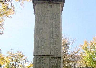 Újfehértó II. világháborús emlékmű 2013.10.11. küldő-kalyhas (6)