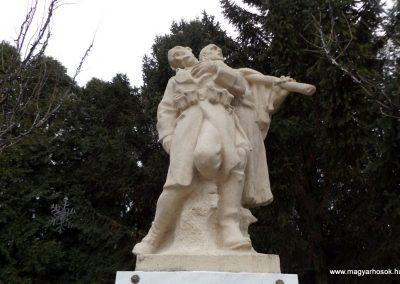 Újhartyán világháborús emlékmű 2015.11.27. küldő-kalyhas (2)