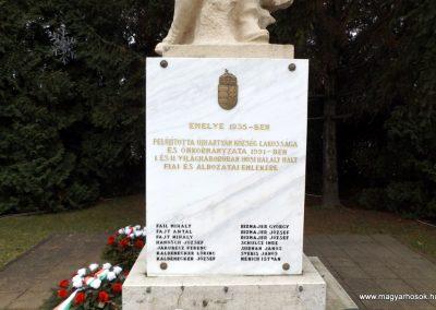 Újhartyán világháborús emlékmű 2015.11.27. küldő-kalyhas (3)