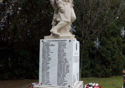 Újhartyán világháborús emlékmű 2015.11.27. küldő-kalyhas (4)