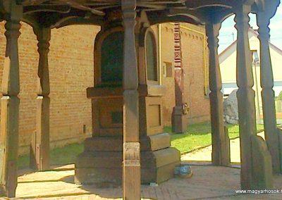 Újpetre világháborús emlékmű 2012.05.12. küldő-Turul 68 (4)